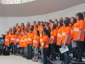 Love the bright orange T-shirts!