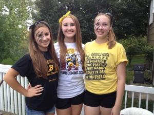 Kelly, Emily & Kira wore their black & gold.