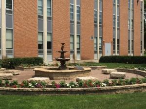 pretty gardens & fountains