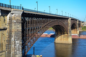 300px-Eads_Bridge_from_Laclede's_Landing,_Sep_2012